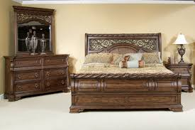 Good Looking Bedroom Furniture Set And Classic Table