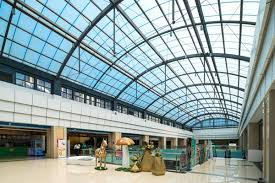 why use polycarbonate in building and construction