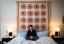 """Don't Tell Ken Burns Quilts Are Quaint - The New York Times & """"I don't have a quilt that gives me more pleasure than this one,"""" the  filmmaker Ken Burns said of the """"Circular Wreath"""" quilt that hangs above  his bed in ... Adamdwight.com"""