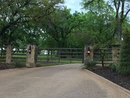 Brick Entrance Designs Driveway Flowerbeds By Gate Lights Do Painted Brick Posts Farm