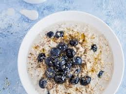 simple blueberry overnight oats as