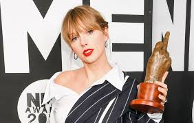 """Taylor Swift says re-recording old music is """"an amazing adventure"""""""