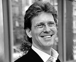 Jeżeli więc ktoś ma dobry pomysł na to, co chce kupić i dlaczego, to nie jest to zły moment na zakupy - mówi Przemysław Schmidt, bankier inwestycyjny w ... - 143110,152023,16