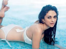 Very Sexy Hot Bollywood Actress Pics Images Wallpaper in HD