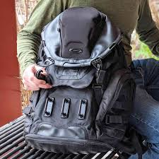 Oakley Kitchen Sink Backpack Review Full Featured And Roomy