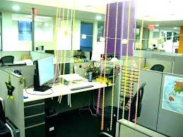 How to decorate office space Work Desk Decoration Getsetappcom Desk Decoration Work Desk Decoration Ideas Cubicle Office Space