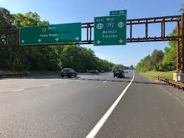 file 2018 05 26 09 09 55 view south along new jersey state route 444 garden state parkway just north of exit 98 new jersey state route 138 east