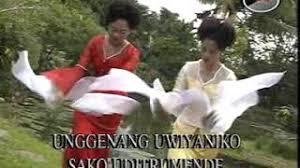 Yang dimaksud dengan musik bambu di minahasa saat ini adalah berbentuk sebuah orkestra instrumental yang bisa beranggotakan sampai 50 orang pemusik. Chords For Lagu Daerah Minahasa Unggenang Tielman Sister