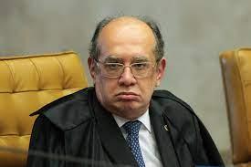 Gilmar Mendes defende políticos e critica aplausos a seus algozes