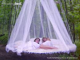 Round Outdoor Day Bed Hanging Outdoor Canopy Bed with Girls - Hanging in  Tree
