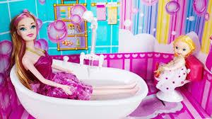 mainan anak boneka barbie mandi baby doll bath time
