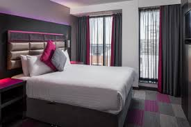 Penthouse Suite In Nottingham City Centre Roomzzz Aparthotel - Cosmo 2 bedroom city suite
