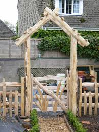 the standard styles of sweet chestnut arch i make fall into two broad categories flat top or pitched top although i refer to them as flat topped they are