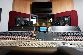 WBUR: Berklee Students Burn the Midnight Oil Mixing Songs in Coveted Studio  Spaces | Berklee College of Music