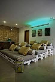 pallets as furniture. home cinema doityourself pallets hout meubilair klussen as furniture