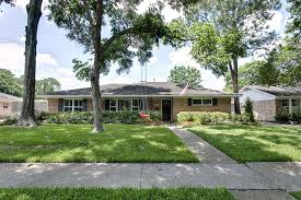 Dimension To A Raised Ranch House With Front Porch Raised Curb Ranch Curb Appeal
