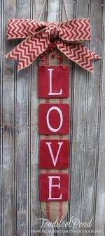 Easy Valentine Door Decoration Craft - My Own Email