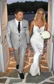 Νίκος Χαρδαλιάς: Η γυμνάστρια σύζυγός του, οι αδημοσίευτες φωτογραφίες από  το γάμο τους και το υπέροχο νυφικό