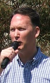 Dennis Hood - Wikipedia