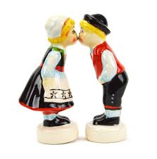 magnetic salt and pepper shakers norwegian kiss  heritagegiftoutlet