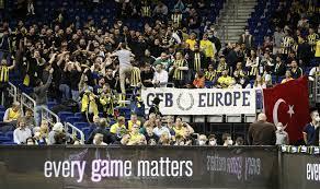 Tolle Stimmung mit mehr als 6000 Zuschauern: Alba Berlin siegt überraschend  gegen Fenerbahce Istanbul - Sport - Tagesspiegel
