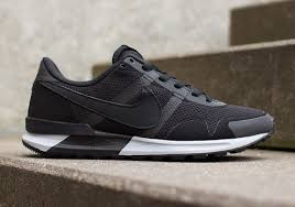 last year nike celebrated the 30th anniversary of the air pegasus line by giving us a brand new silhouette in the nike air pegasus 8330 black grey nike air