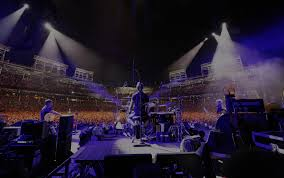 Let's Play Two | <b>Pearl Jam</b>