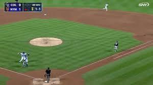 COL@NYM: Harvey fields ground ball to nab Parker - YouTube
