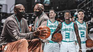 Return Helps Hornets Knock Off the Pistons