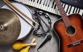 Menurutnya, musik adalah penghayatan isi hati manusia yang diungkapkan. Pengertian Seni Musik Unsur Jenis Prinsip Medium Dan Fungsinya