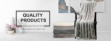 Perpaduan warna minimalis terlihat dari pemotongan warna yang sangat jelas dan kontras. Ningbo Kareer Import Export Co Ltd Blanket Pillow
