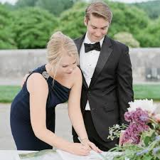 Do You Need To Have A Wedding Guest Book Martha Stewart Weddings