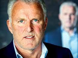 Peter R. de Vries wil een misdaadmuseum in Amsterdam oprichten, waar hij de  virtuele gids is