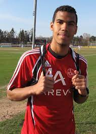 Datei:Maxim Choupo-Moting 2010.jpg – Wikipedia