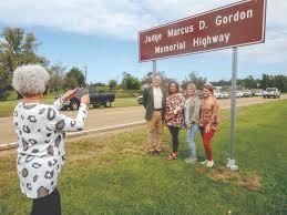 Union: Gordons honored during ceremony | News Break