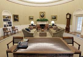 desk in the oval office. Interesting Desk Oval Office Makeover PHOTOS VIDEO To Desk In The I