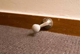 carpet paint. staying within the same color family helps make a harmonious match of carpet and wall paint