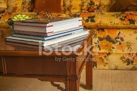 sehpa kitapları gözlük stok