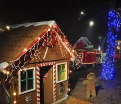 Christmas Lights Display Near Athens Ga Bishop Family Keeps Expanding Display Of Holiday Lights