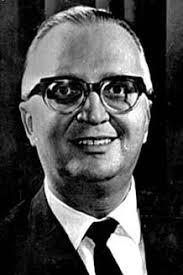 Militar de longa carreira, Costa Cavalcanti participou ativamente das conspirações contra João Goulart, em 1964. No governo seguinte, fez oposição a ... - costaCavalcante