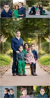 good colors for family pictures. family of 5 posing, holiday session, what to wear, holly davis photography good colors for pictures