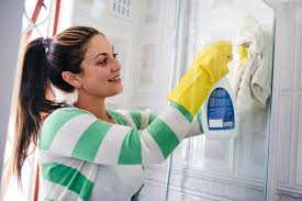 Clean Bathroom Walls 8 Fast Cleaning Fixes To Get Rid Of The Grime Readers Digest