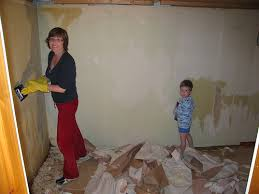 49 removing stubborn wallpaper glue