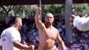660. Tarihi Kırkpınar Yağlı Güreşleri'nde çeyrek finale yükselen isimler  belli oldu
