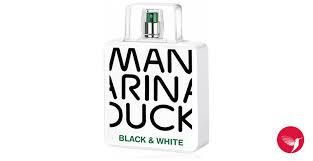 <b>Mandarina Duck Black</b> & White