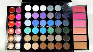 the blushes bronzers are hidden in partment on either side of palette just pull them out