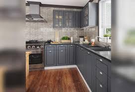 В тази бяла и сива кухня се откроява усещането за яснота и чистота. Modulna Kuhnya Siti 855 Glovi Kuhni Mebeli Monema