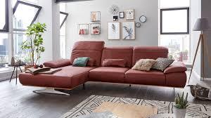 Interliving Sofa Serie 4300 Ecksofa Mit Funktionen Und Nierenkissen Rote Mikrofaser Mustang Wine Stellfläche Ca 198 X