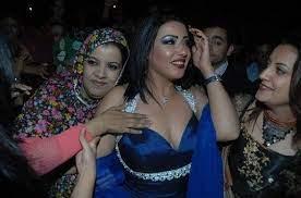 وسألتها الإعلامية بسمة وهبة عن احتمالية عودتها لأحمد سعد، لترد سمية الخشاب: الدب الداشر سمية الخشاب إستحقت ختم الرسول عن جدارة لأدوارها المميزة Style Fashion Halter Dress