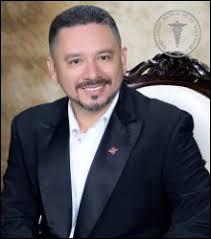 Dr. Abelardo Estrada   Ortodoncista   San Miguel